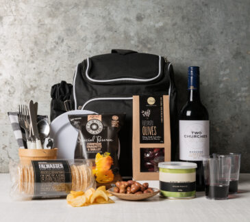 Picnic backpack gift set | great gourmet gift baskets from Gourmet Basket